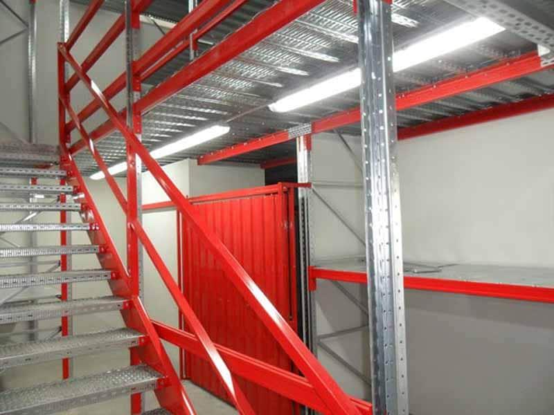 crveni poslovni prostor
